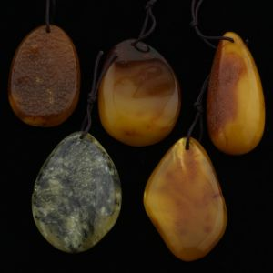 Natural Baltic Amber Pendant Set of 5pcs. 25gr. PS10