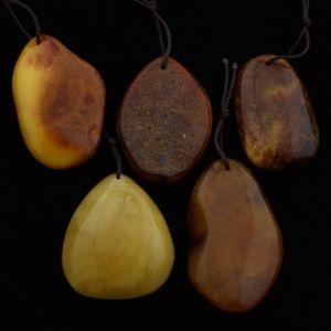 Natural Baltic Amber Pendant Set of 5pcs 28gr. PS19